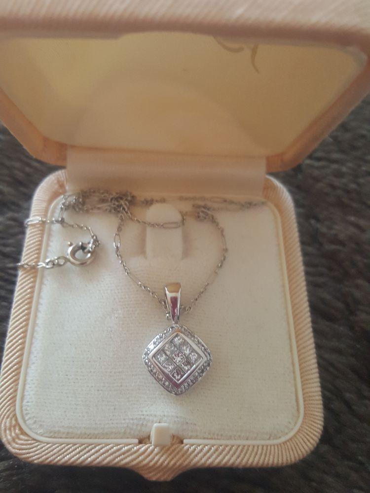 Superbe pendentif or gris et diamants 0,50 ct 750 Saint-Cyr-sur-Mer (83)