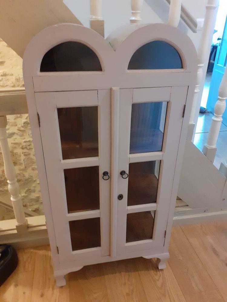 Superbe petit meuble original en bois  70 La Réole (33)