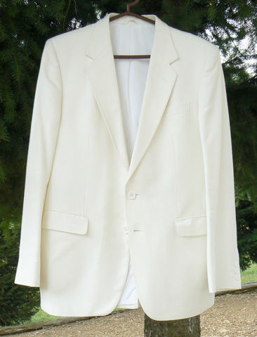 Superbe veste de cérémonie blanche TED LAPIDUS superbe état 79 Saint-Clair-sur-Galaure (38)