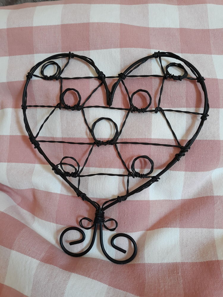 Support photos noir en fer torsadé NEUF - forme de coeur 10 Livry-Gargan (93)