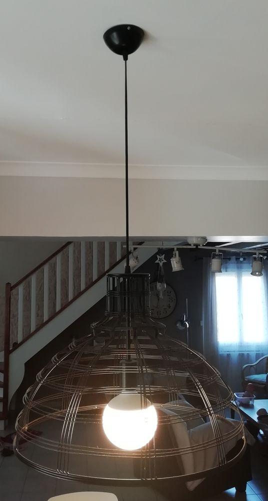 Suspension filaire noire de chez Keria 135 Savignargues (30)