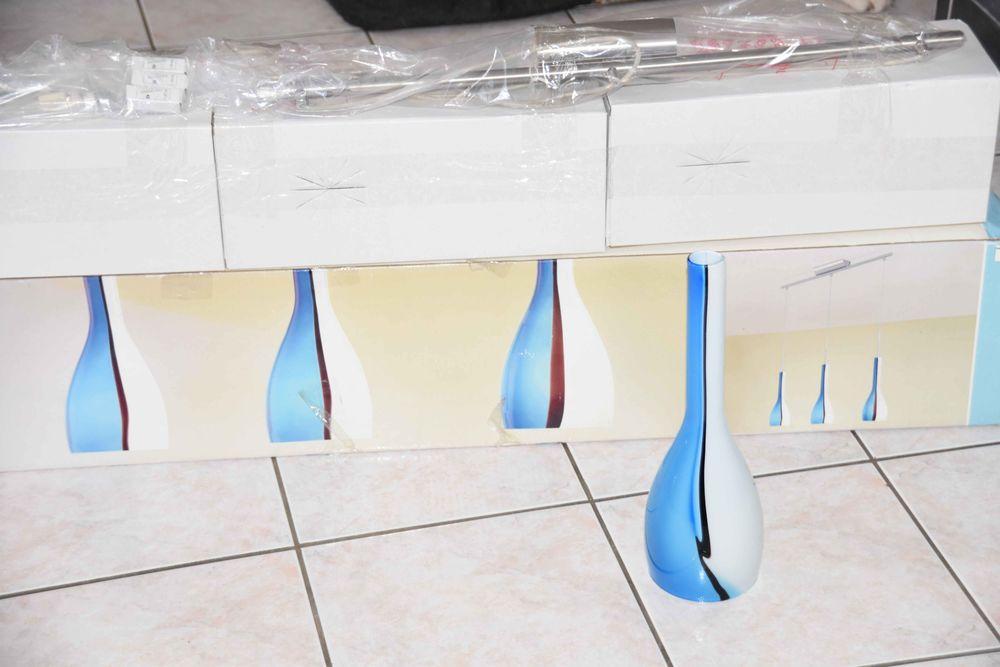 Suspension plafonnier LUSTRE  eglo en verre neuf 30 Bras (83)