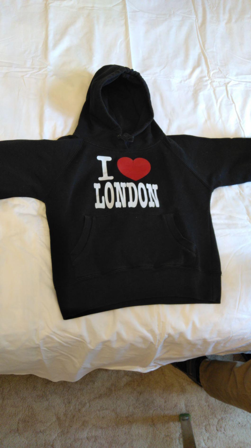 sweat à capuche noir  I love London  5 Saint-Cyr-l'École (78)