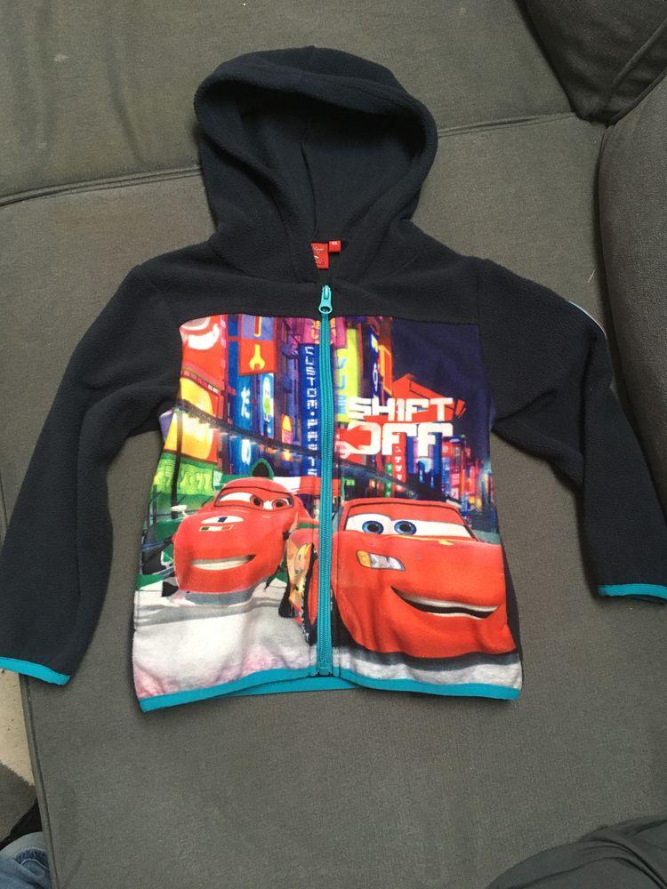 Sweat capuche zippé 4 ans Cars Disney pixar 5 Fameck (57)