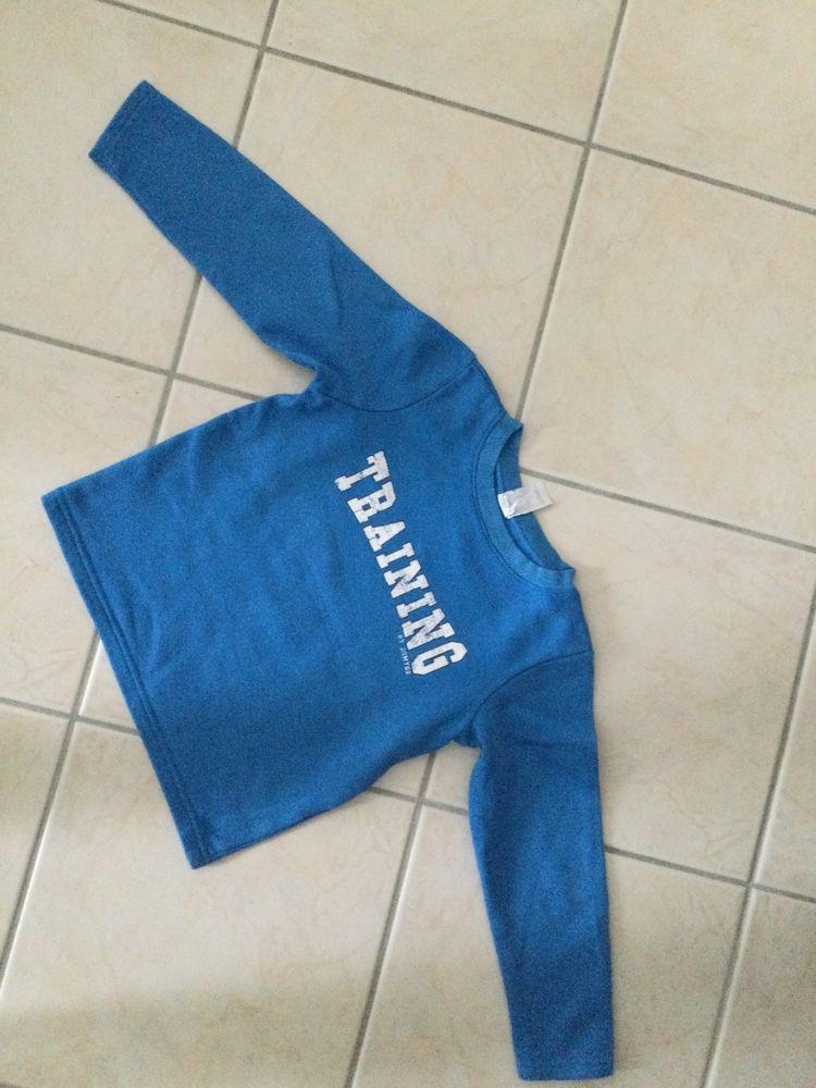 Sweat training bleu 6 ans 0 Linas (91)