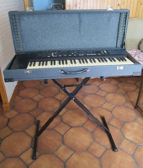 Synthétiseur Roland E 30 Instruments de musique