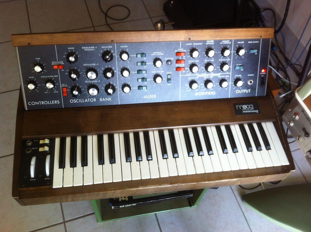 Synthétiseurs analogiques, numériques : Moog, Oberheim, PPG 1 Aiguilhe (43)