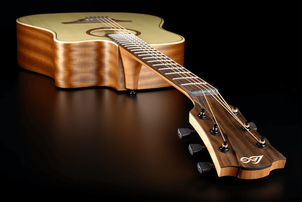 LAG T70DCE Tramontane Dreadnought Cutaway Natural 300 Blanquefort (33)