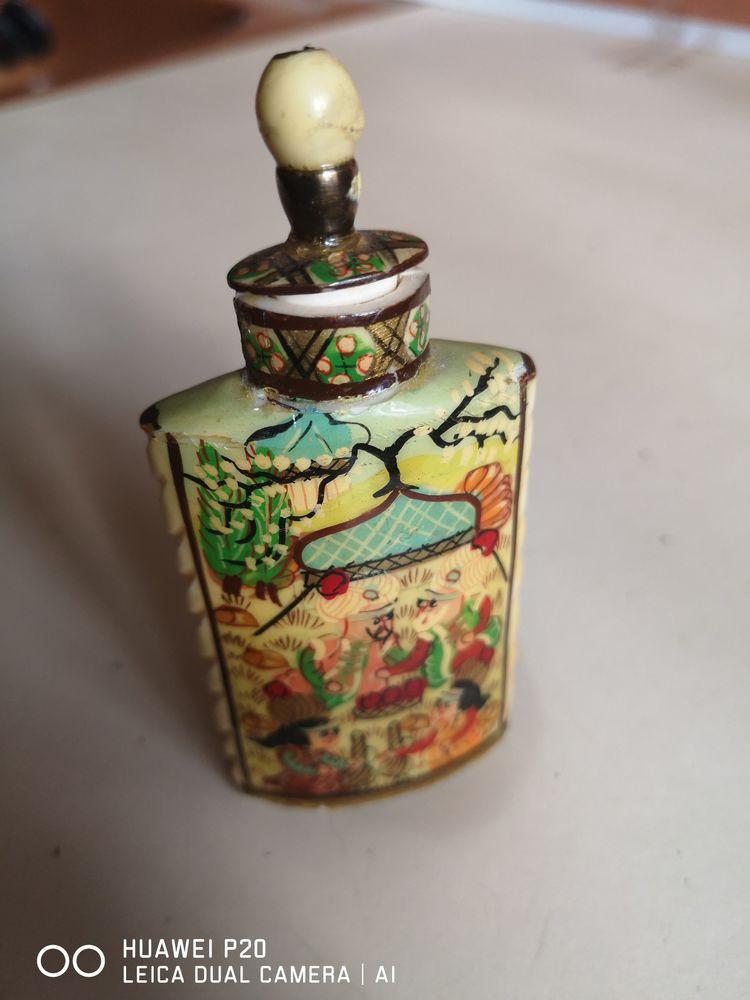 Tabatiere/flacon de parfum 40 Colombes (92)