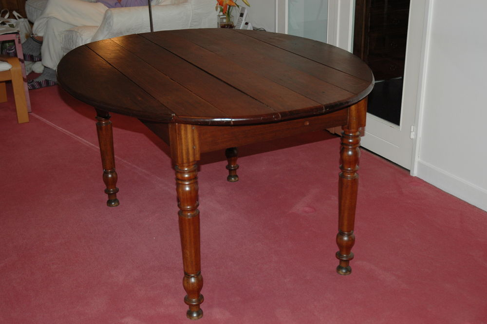 Table acajou massif. 150 Maisse (91)
