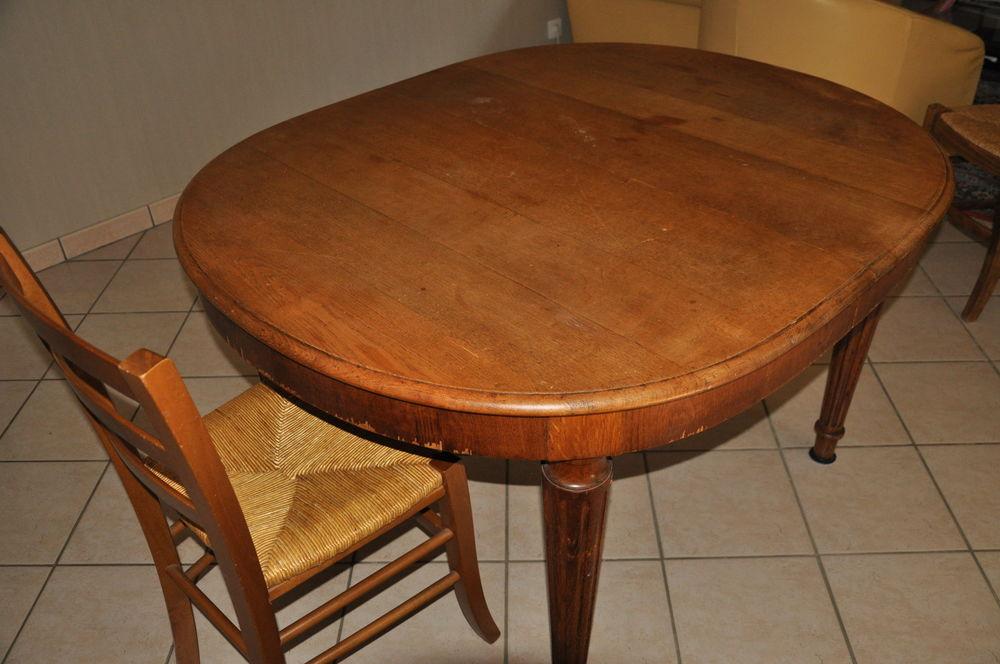 table ancienne avec 4 chaises 80 Rueil-Malmaison (92)
