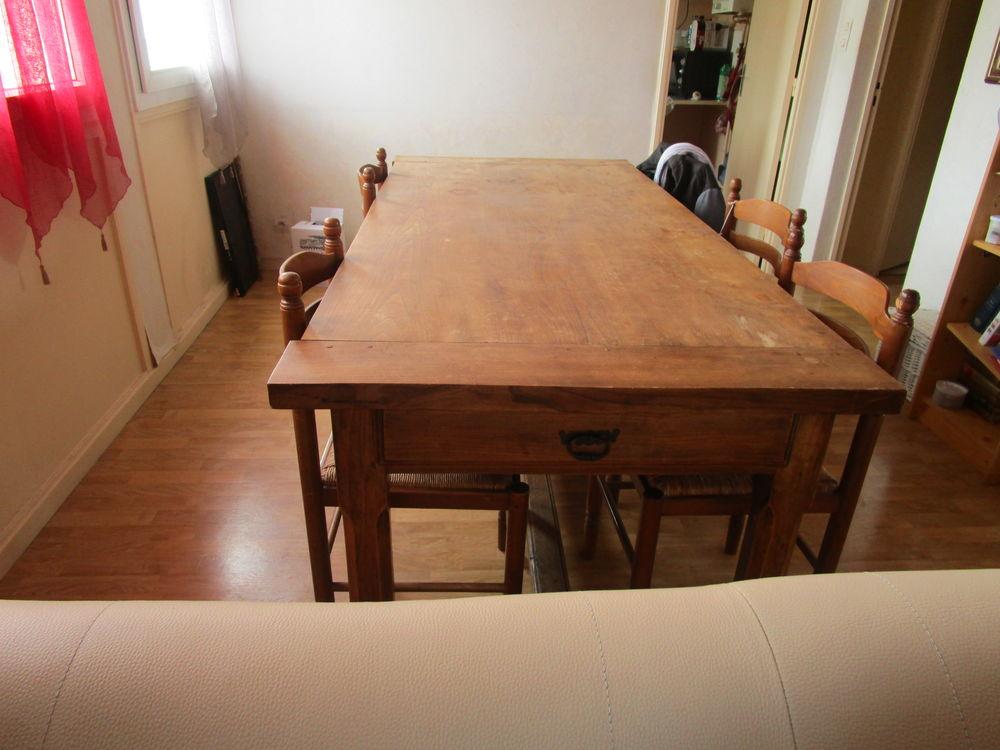 TABLE ANCIENNE BOIS MASSIF. 270 Bergerac (24)