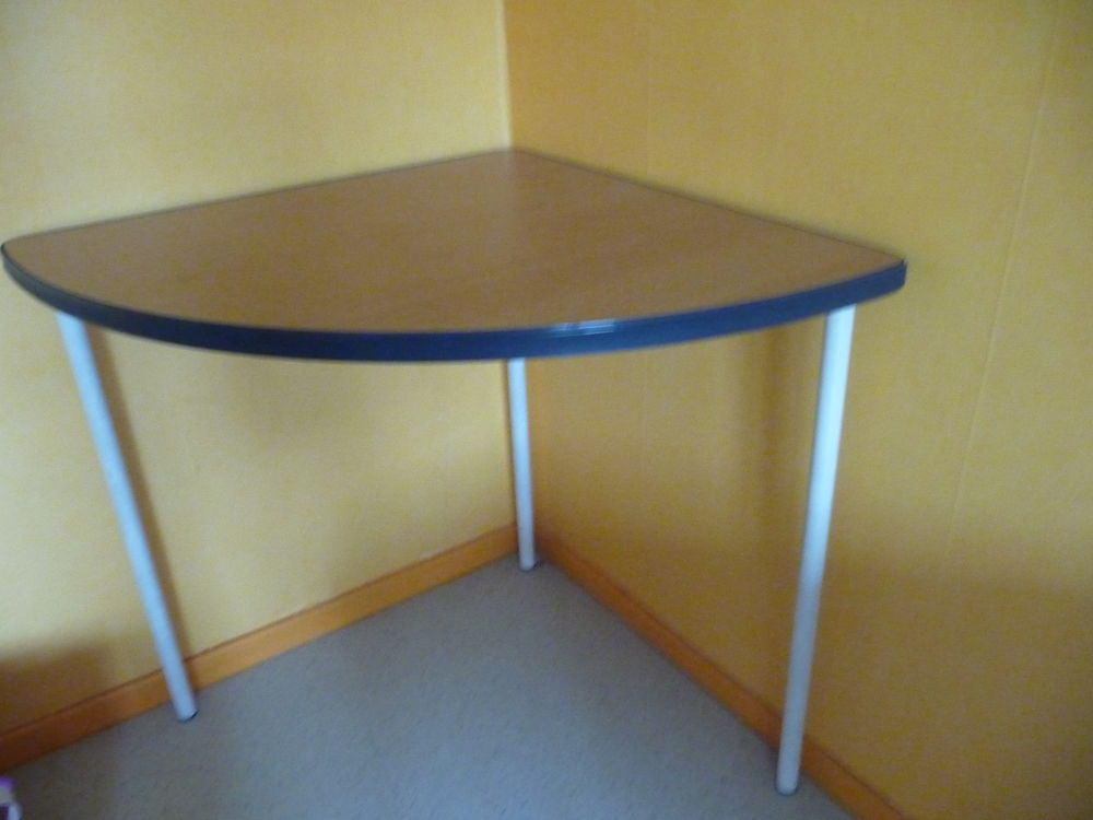 TABLE D'ANGLE 10 Voiron (38)
