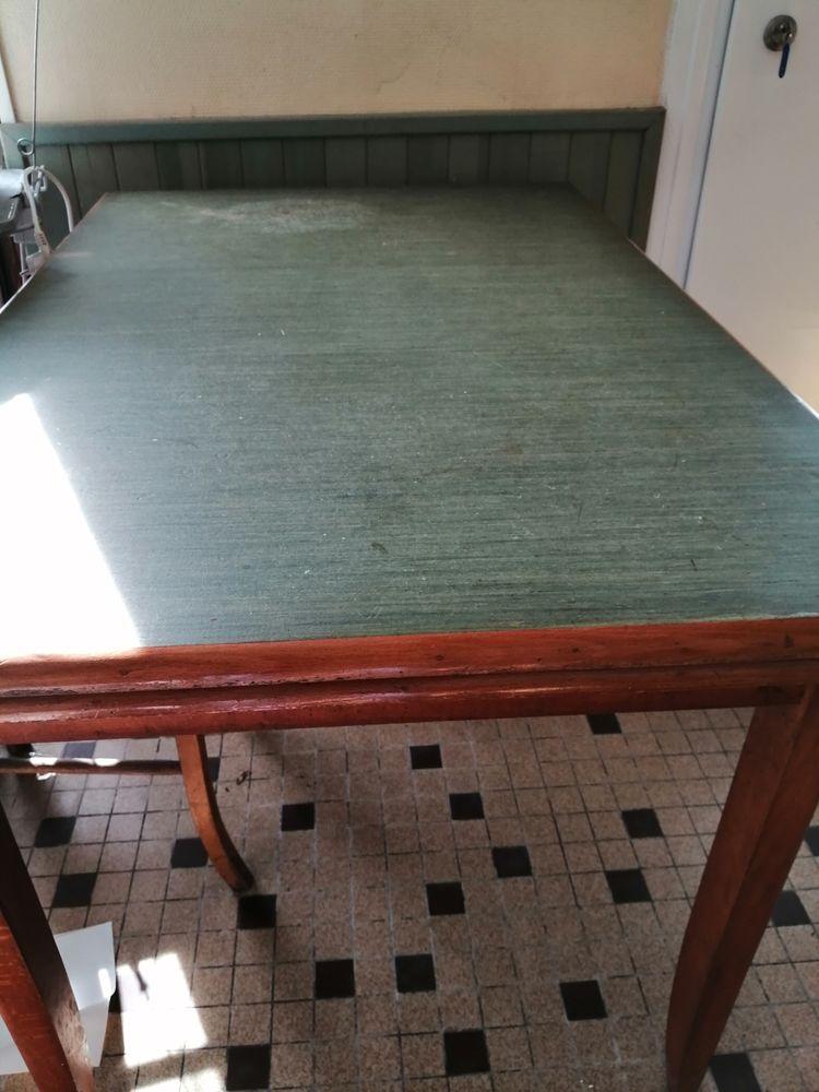 table de bar année 60-70 75 Ploulec'h (22)