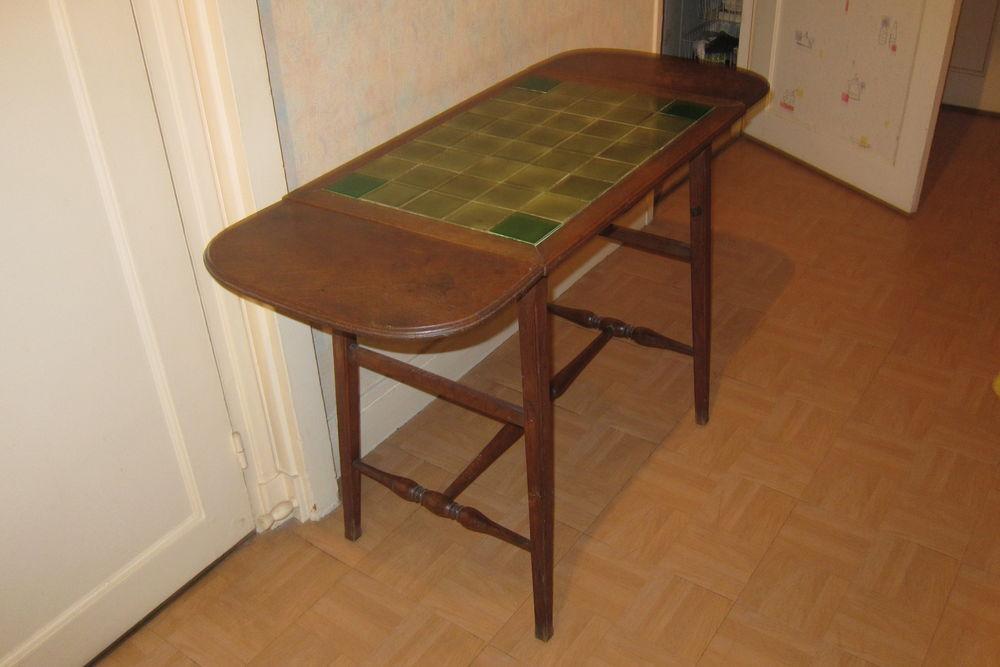 Table d'appoint en bois  30 Paris 17 (75)