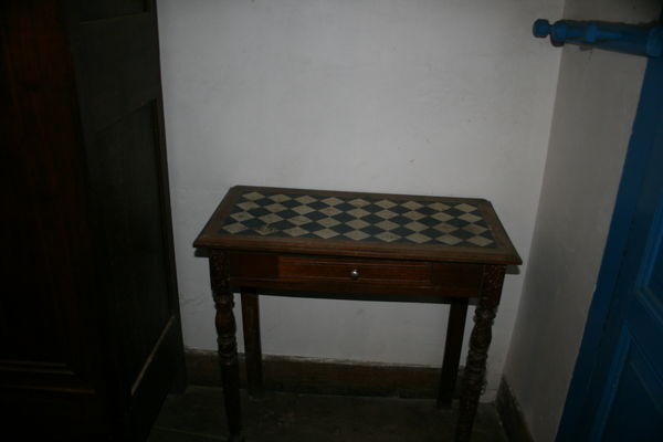 Table d'appoint marquetée Meubles