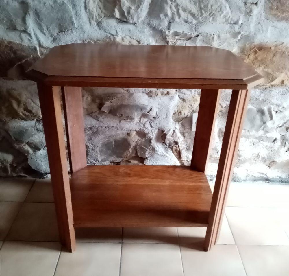 Table d'appoint. 130 Vierzon (18)
