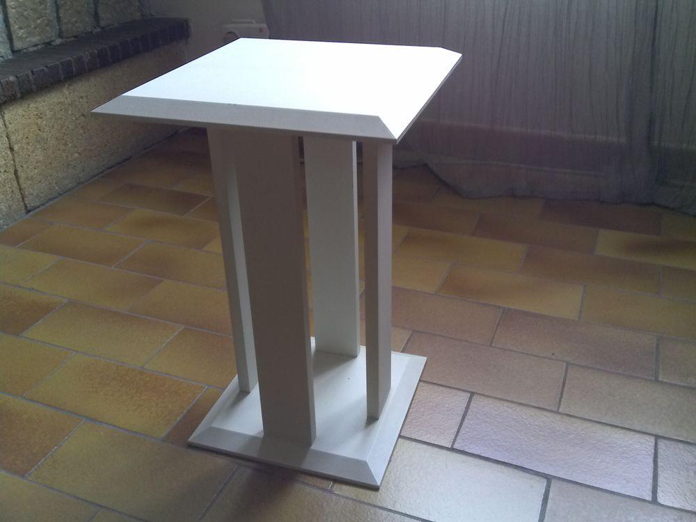 Table d'appoint 15 La Fare-les-Oliviers (13)