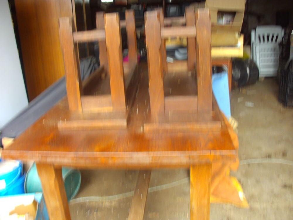 table avec 2 bancs en chene macif table 400 Saint-Quintin-sur-Sioule (63)