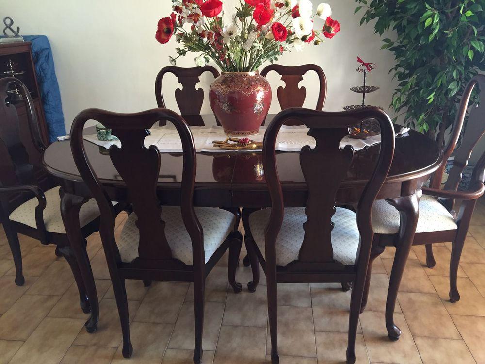 Table avec 6 chaises. Bois Rose en tres bon etat.  1500 Bouc-Bel-Air (13)