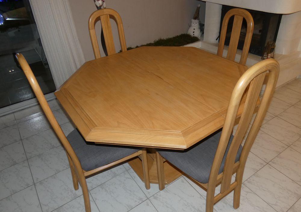 Table avec 4 chaises 80 Sénas (13)