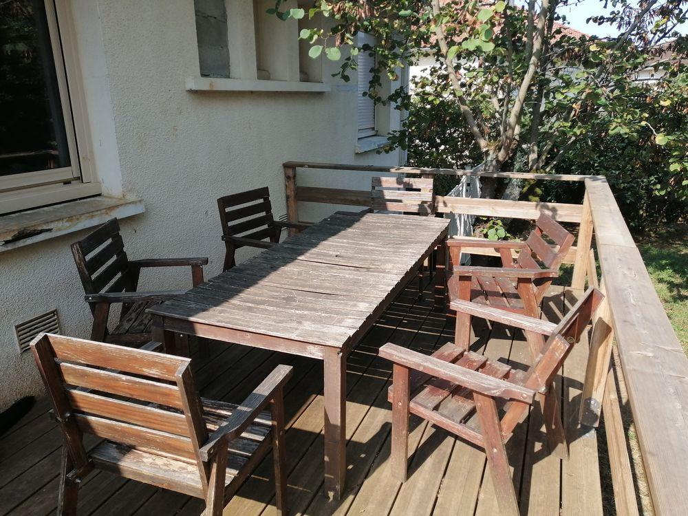Table avec 6 chaises + banc  0 Cahors (46)