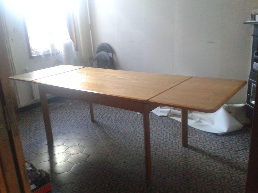 TABLE AVEC EN HETRE AVEC RALLONGE. 50 Frévent (62)