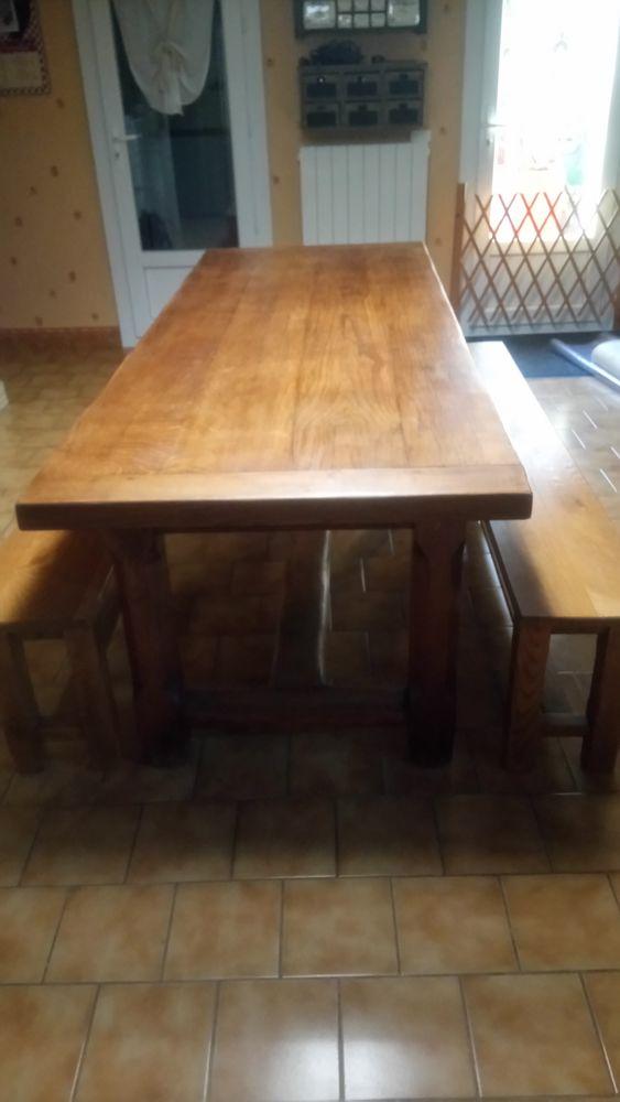 Table et Bancs chêne massif 450 Pierrelatte (26)