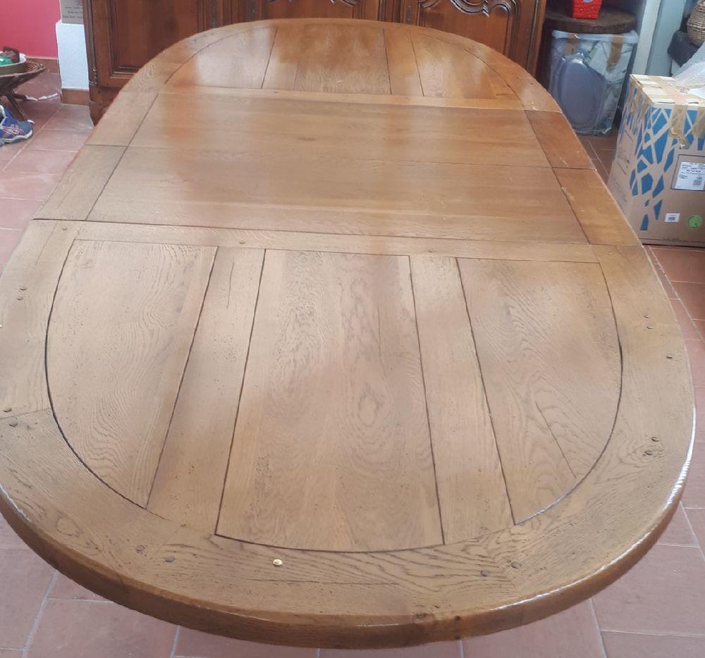 Table basse ainsi que la table monastère et 4 chaises  0 Gond-Pontouvre (16)