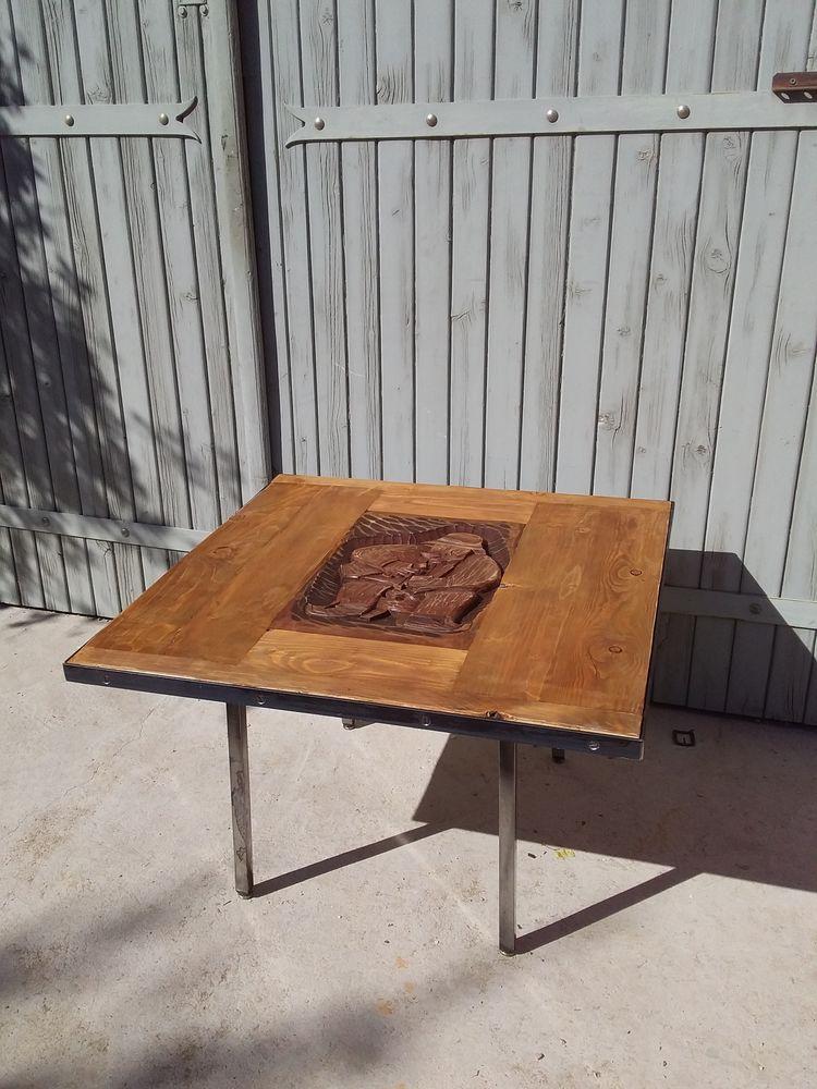 1 table basse avec motif sculpté 125 Le Thor (84)