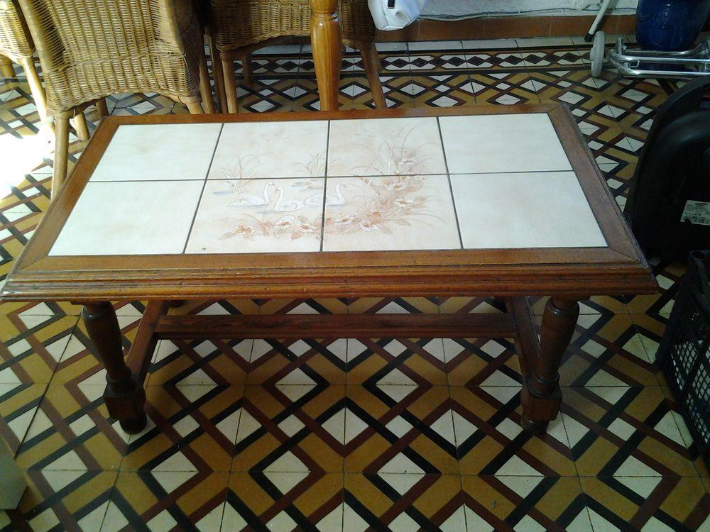 Table basse en bois  20 Tourrette-Levens (06)