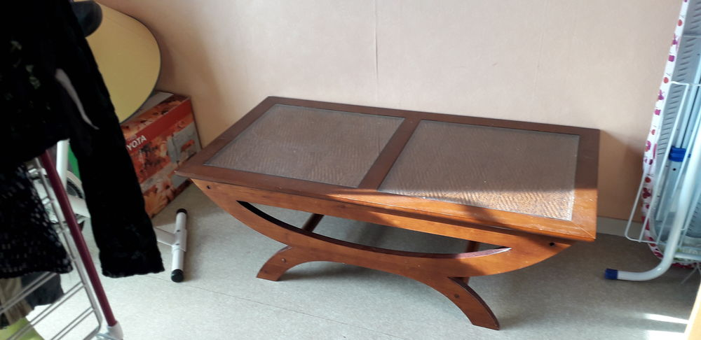 table basse en bois exotique bon etat  80 Clermont-Ferrand (63)