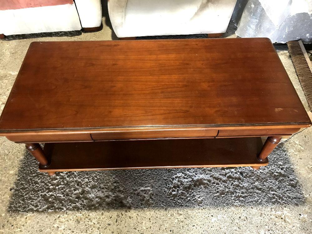 Table basse bois de qualité 300 Lormont (33)