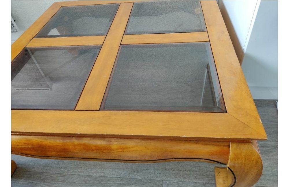 Table basse en bois exotique. 40 Guidel (56)