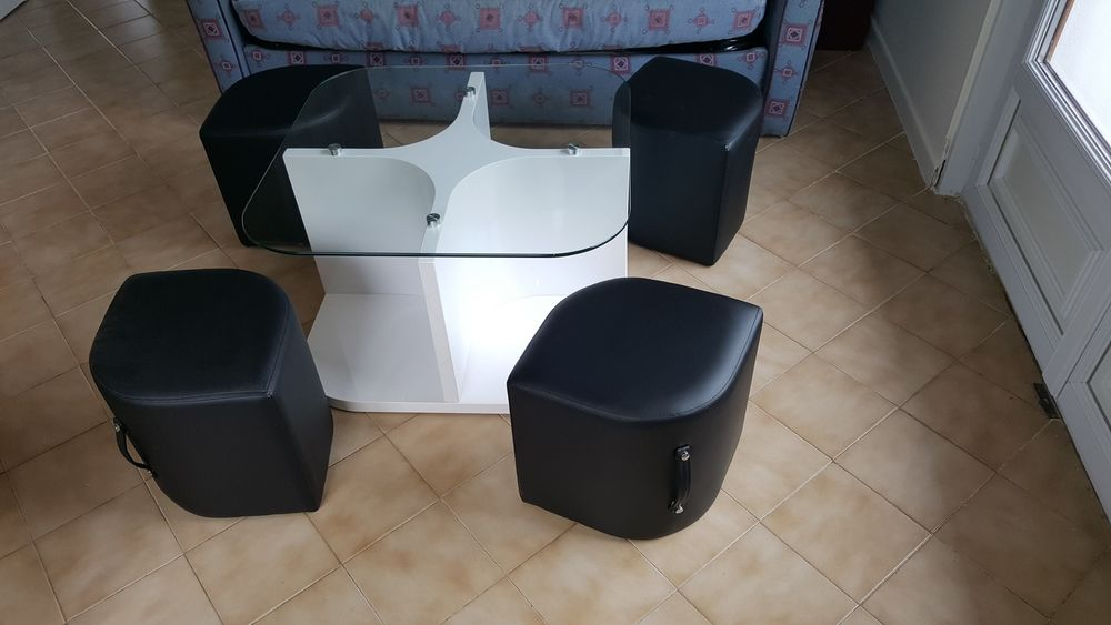 Table basse carrée avec 4 poufs 120 Annecy-le-Vieux (74)