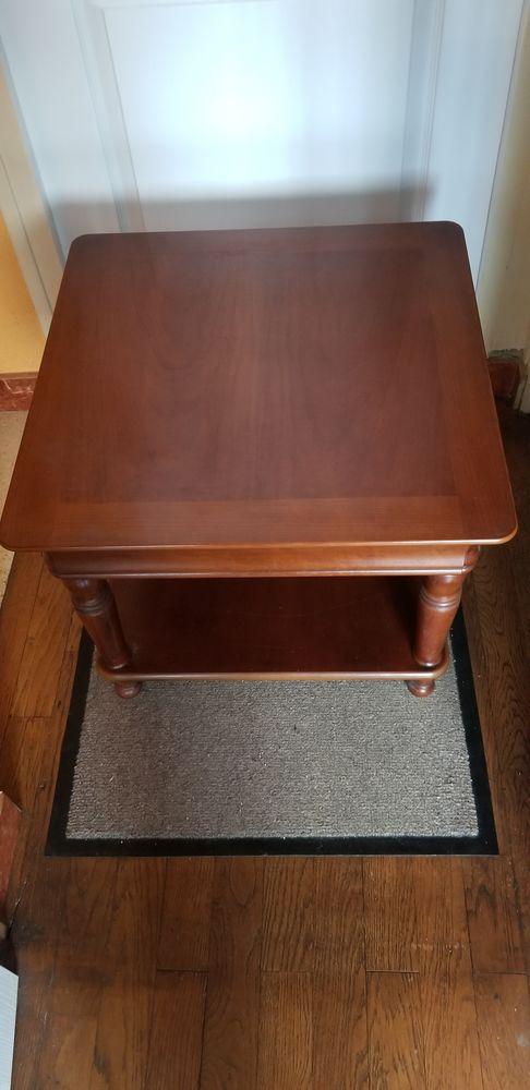 TABLE BASSE CARREE EN BOIS 30 Sartrouville (78)
