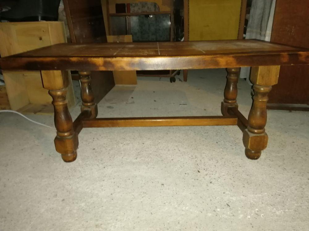 TABLE BASSE CARRELEE 35 Aubie-et-Espessas (33)