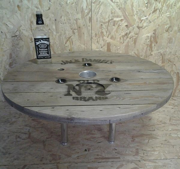 Decoration jack daniels for Decoration table basse