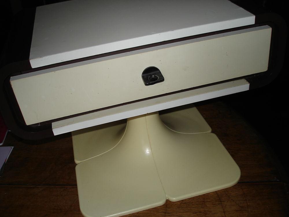 table basse design gautier knoll 1970 f Décoration