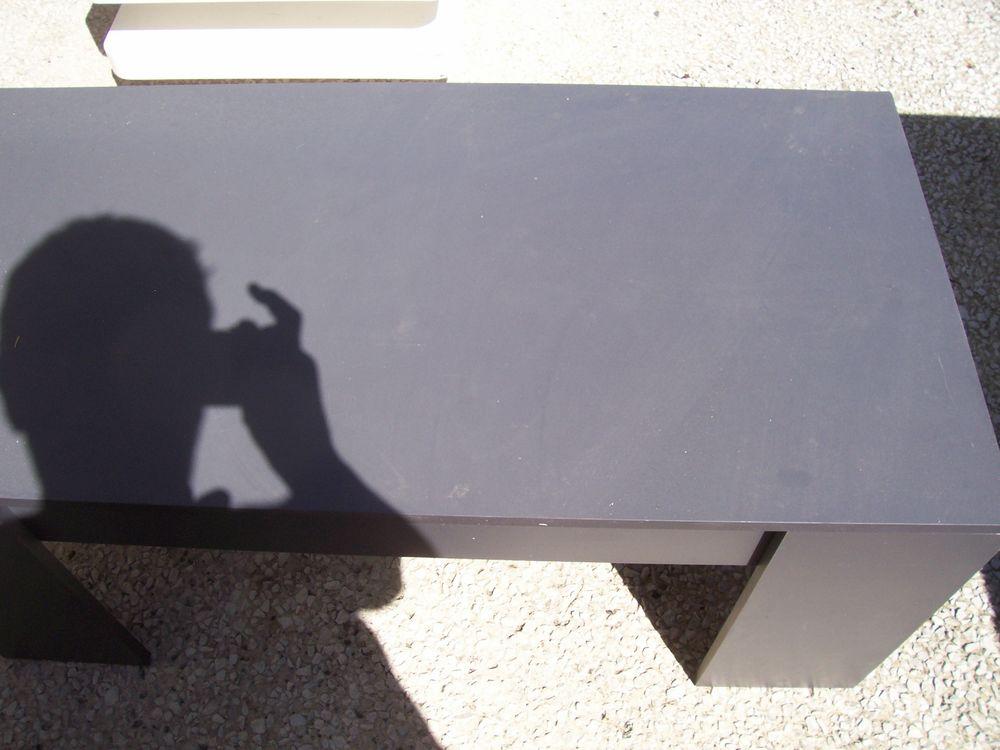 table basse gris foncé 40 Tonnay-Charente (17)
