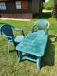 Table basse de jardin et 2 chaises