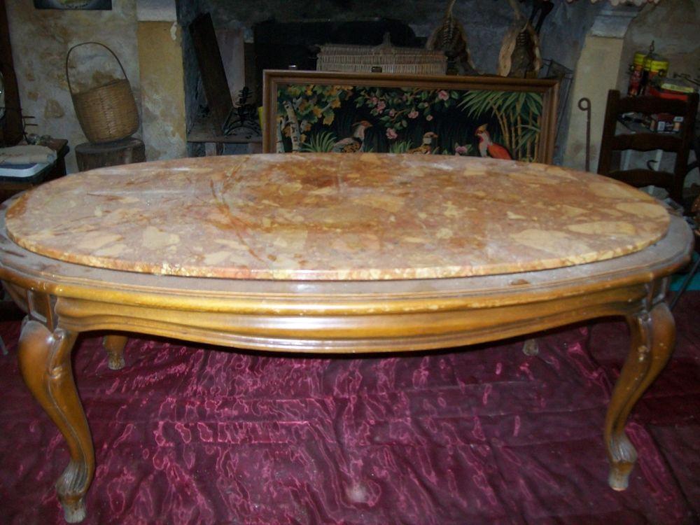 TABLE   BASSE   MARBRE  ROSE 50 Saint-Victor-la-Coste (30)