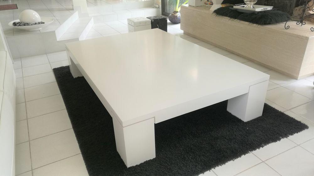 TABLE BASSE massive rocher Bobois en laque blanche  350 Montlignon (95)