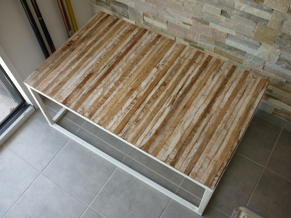 Table basse en métal blanc et bois 130 Saint-Folquin (62)