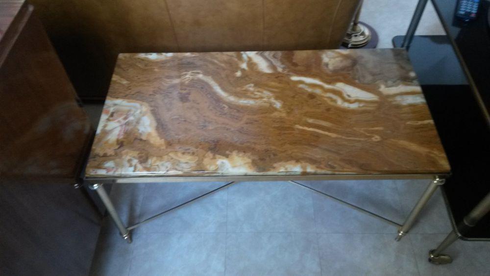 Table basse métal et marbre Joli marbre en bonne état 50 Meaux (77)
