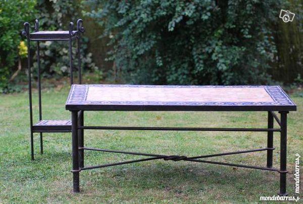tables en fer occasion annonces achat et vente de tables en fer paruvendu mondebarras page 21. Black Bedroom Furniture Sets. Home Design Ideas