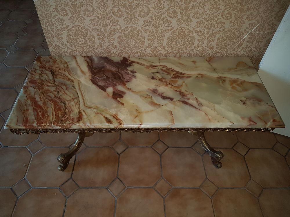 Table basse plateau en marbre.  0 Cormeilles-en-Parisis (95)