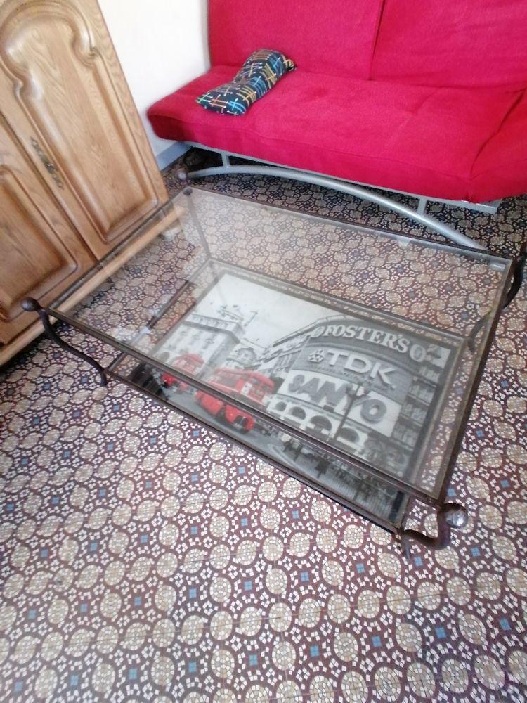 Table basse 2 plateaux en verre, structure en fer forgé  0 Merville (59)