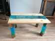 Table basse en résine epoxy