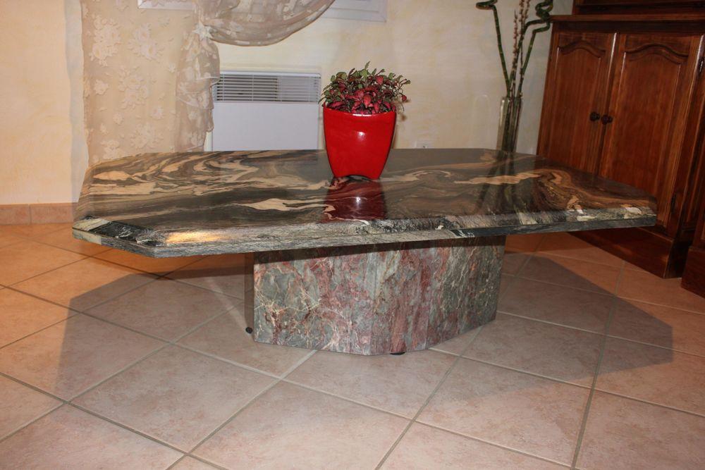tables basses marbre occasion dans le var 83 annonces achat et vente de tables basses marbre. Black Bedroom Furniture Sets. Home Design Ideas